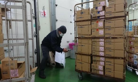 食品メーカー様の出荷作業の風景